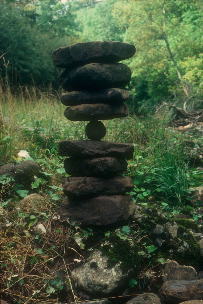 Andy Goldwworthy Balanced River Stones, Cumbria 1983