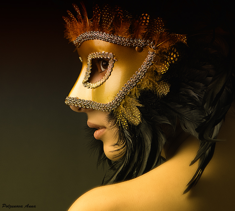 Explore the decadence of the 15th century with our beautiful masquerade masks, many of which are inspired by the classic design of Venetian masks from Italy. Our huge selection of exquisite masks is perfect for any masquerade ball, high school prom, Mardi Gras, or Carnivale.