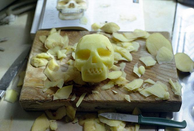 Potato Skull photograph 1999 by David Shrigley
